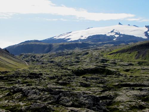 Snæfellsjökull og hraun frá eldstöðvum í fjallinu
